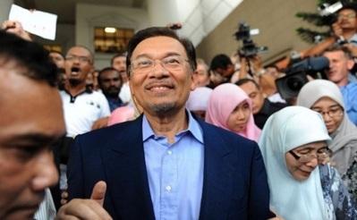 Valeurs universelles et démocratie musulmane par Anwar Ibrahim