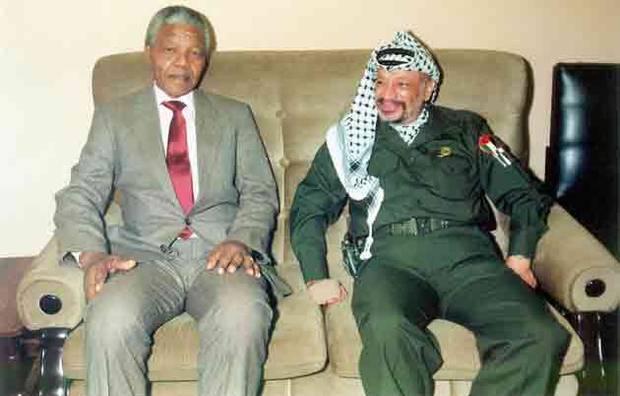 Mandela à Gaza en 1988 avec Yasser Arafat