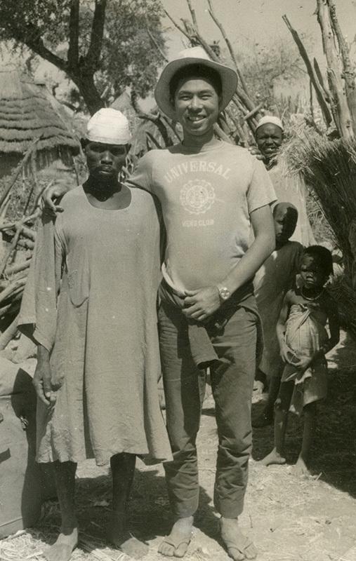 Shimoyama Shigeru au cours de son voyage d'une année en Afrique (avec l'aimable autorisation de Shimoyama Shigeru). Photo Nippon.com.fr