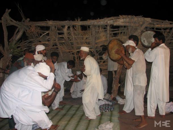 Ces hommes prennent part à une cérémonie zâr à Khorramshahr, dans la province du Khuzestan, en 2011 (photo publiée avec l'aimable autorisation de Behnaz Mirzai)