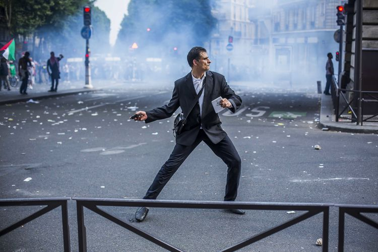 Affrontements lors de la manifestation propalestinienne, à Paris, le 19 juillet. (Photo Laurent Troude pour Libération)