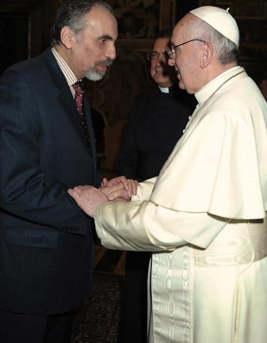 Mustapha Cherif lors de sa rencontre avec le Pape François