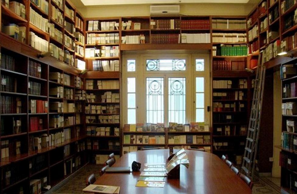 Institut français du Proche-Orient (Ifpo) à Beyrouth, la bibliothèque des études contemporaines. © Ifpo, octobre 2008.