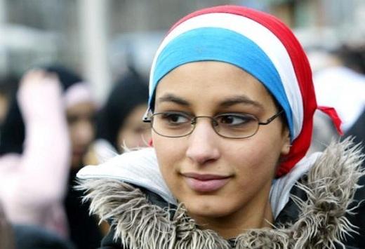 Quand les lois gouvernementales contre l'expression religieuse deviennent facteur de violence sociale
