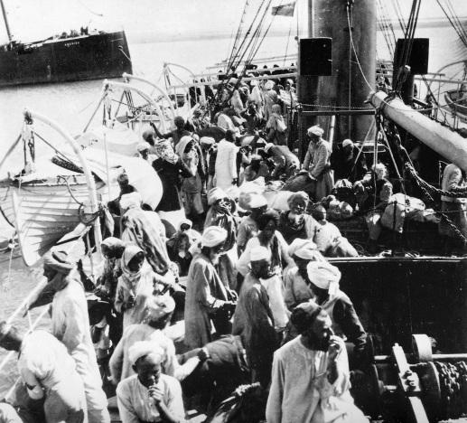 Arrivée des pèlerins dans le port de Djeddah/Cl. Clemow, Royal Geographical Society (1906)/http://books.openedition.org/ifpo