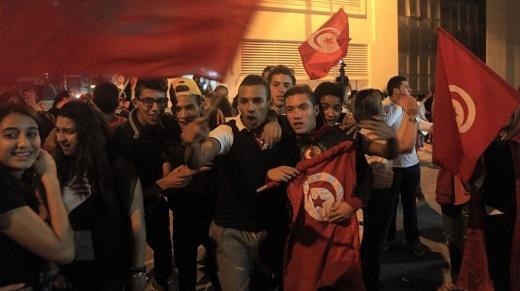 Les partisans de Nidaa Tounes, parti victorieux aux élections législatives en Tunisie, à Tunis le 26 octobre 2014. (YASSINE GAIDI / ANADOLU AGENCY)/FranceTv Info