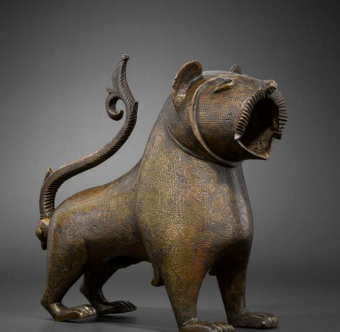 Lion à queue articulée• Crédits : Musée du Louvre, dist. RMN / Hughes Dubois