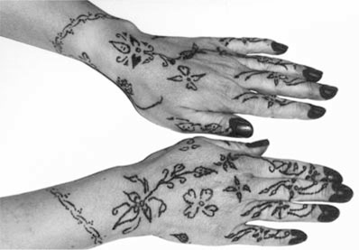 Les mains peintes avec le khiḍâb (C. Schönig)