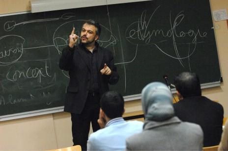 Olivier Bobineau, en 2008, lors d'une formation universitaire destinée aux imams (CHAMUSSY/SIPA)/rue89.fr