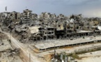 Reportage : La ville syrienne de Homs montre des signes de vie dans un décor lunaire dévasté